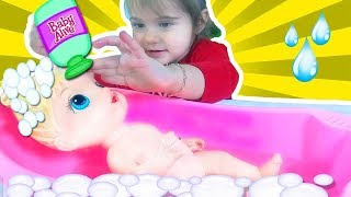 Video Baby Alive Making Bathroom - Eylul Washing Baby - Fun Kids Videosu - Tontik TV download MP3, 3GP, MP4, WEBM, AVI, FLV November 2017