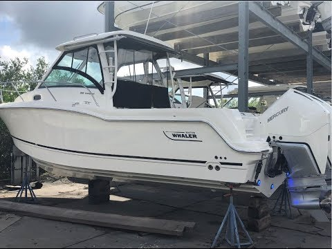 2019 Boston Whaler 285 Conquest Boat For Sale at MarineMax Clearwater