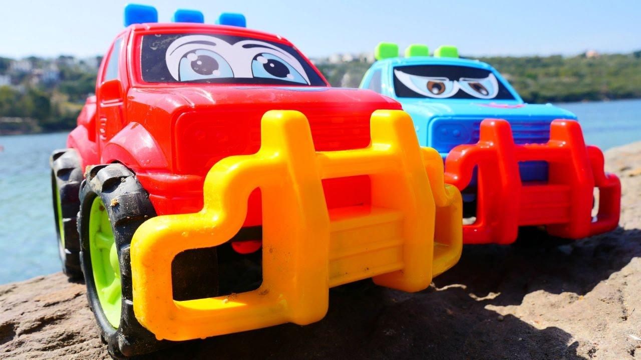 МАШИНКИ на пляже - Видео с игрушками для детей - Игры с песком