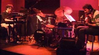 "Video MOOG INDIGO (SANZ-MARTIN-BARRUETA TRÍO) / Bogui Jazz, 4 de agosto 2012, ""Gnawans"" download MP3, 3GP, MP4, WEBM, AVI, FLV Juli 2018"