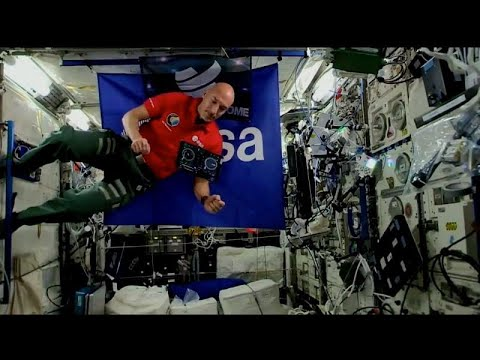 مراسل يورونيوز يصبح أول -دي جي- يقدم عرضاً موسيقياً من الفضاء …  - 11:54-2019 / 8 / 15