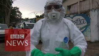 Ebola Outbreak: How to report crisis safely from the frontline - BBC News