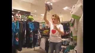 Что Даня и Кристи делали в примерочной?! || What did they do in fitting room?!