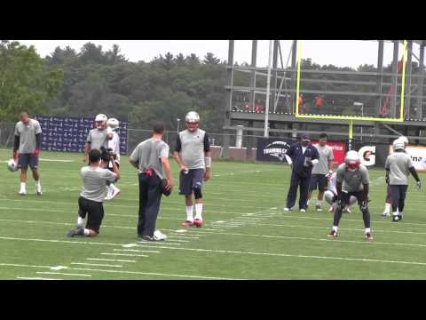Brady and Garoppolo throw at Patriots minicamp
