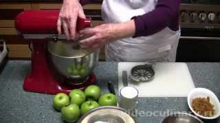 Рецепт - Шарлотка с яблоками от ВидеоКулинарии