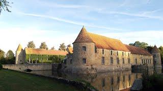 Живу в замке во Франции!