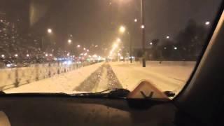 Коробка автомат в зимнее время на заснеженной дороге.(, 2016-01-13T18:29:12.000Z)