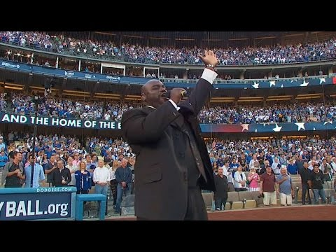 NLCS Gm4: Gospel singer Williams Jr. sings anthem