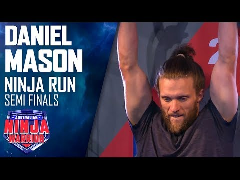Barefoot Ninja sets the time to beat in speedy run   Australian Ninja Warrior 2019