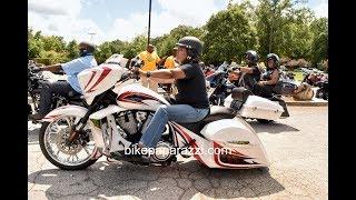 Ladies On Harleys In Atlanta Ga..