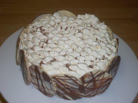gâteau-façon-brownie-et-sa-crème-chantilly-au-zeste-d'orange-!