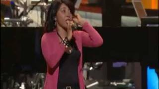 Lilly Goodman - El Equipaje @ Lakewood Church