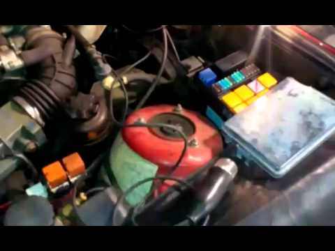 fuel pump relay 1988 BMW 325i - YouTube