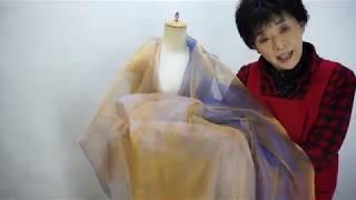 シャンブレーオーガンジー 経糸と横糸の色違いで織った織物をシャンブレ...