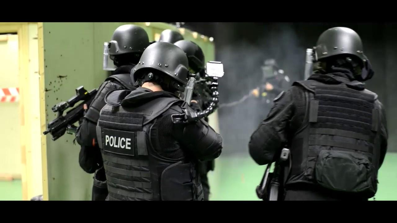 RAID [FRENCH NATIONAL POLICE] TRAINING - YouTube
