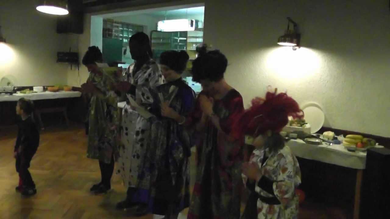 Шуточная сценка поздравление от японцев фото 344