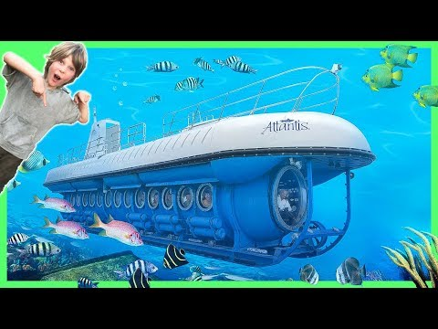 Axel Dives DEEP in the SEA on a SUBMARiNE with Atlantis Maui