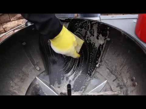 Charcoal Grill Cleaning -Weber Grills