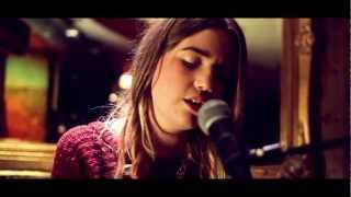 The Cornershop Sessions: Evelyn Burke - As Close As We