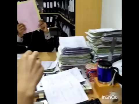 Mannequin challenge with friends office