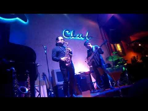 Sax 'n Art - Ho Chi Minh City jazz club live performance