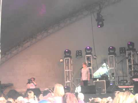 Ronan Parke singing Make You Feel My Love