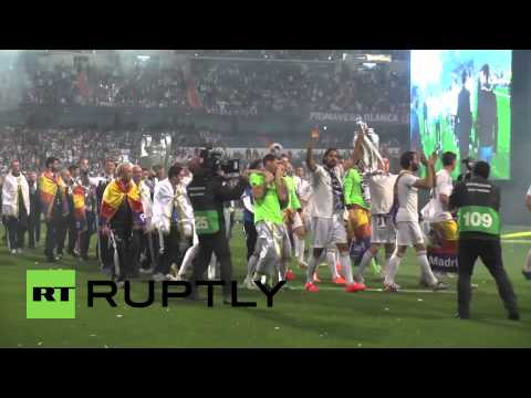 Spain: 60,000 Real Madrid fans revel at La Decima celebrations