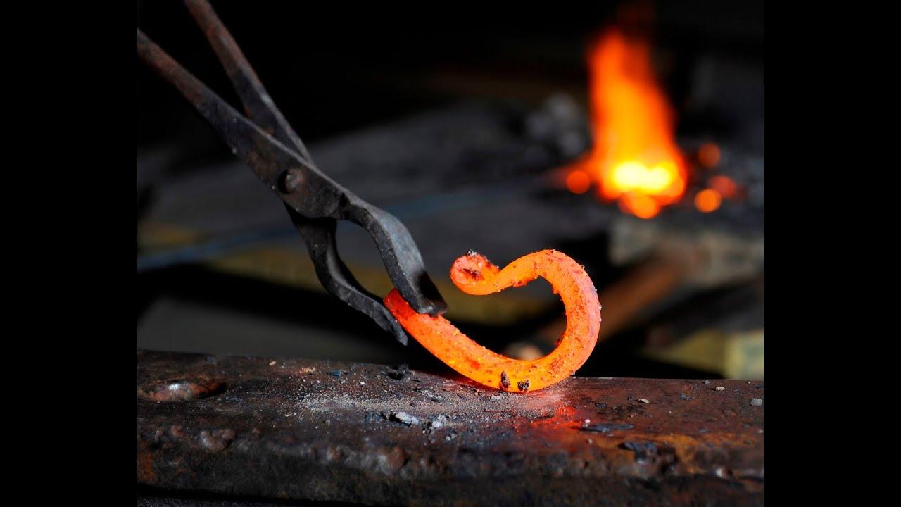 Вот почему сегодня столь популярна художественная ковка металла. Фирма «гефест нн» может предложить вам огромный ассортимент декоративных изделий которые вы можете купить у нас. Изготовление элементов художественной ковки не только украсит, но и защитит помещение. Экстерьер.