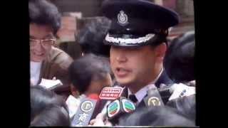 Repeat youtube video 1993年 北角英皇道 金行劫案 - 匪徒遇警察爆槍戰 鬧市引爆手榴彈