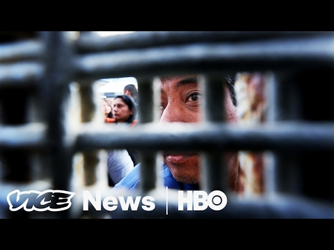 Asylum Seekers Are Being Turned Away Ilegally At U.S.-Mexico Border: VICE News Tonight on HBO