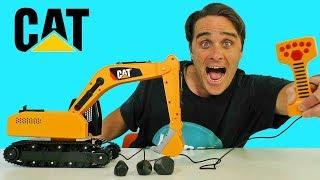 CAT Massive Machine Excavator Remote Control Truck ! || Toy Review || Konas2002
