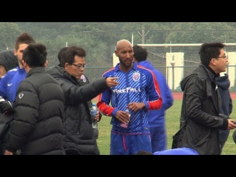 Football: First match for Anelka in Shanghai