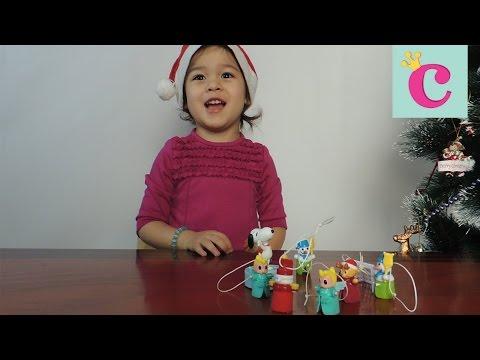Открываем шоколадные яйца Киндер сюрприз Maxi, Kinder Surprise Christmas toys ► София маленькая