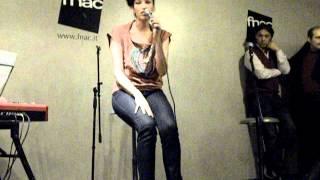 Nina Zilli 50000 Lacrime live @ fnac napoli 28 02 2012