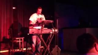 Amar Jašarspahić - Kad ljubav zakasni (Live uz klavijature)