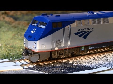 Review of the HO scale Kato P42 with Tsunami & Loksound DCC