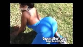 big booty in blue dress