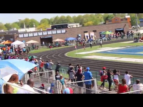 10 year old aniyah brown runs 26.83 in the 200 meter