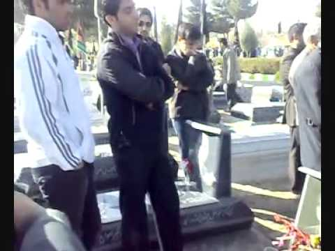 Kianoosh Asa's family at his grave in Kermanshah - Iran 16 D