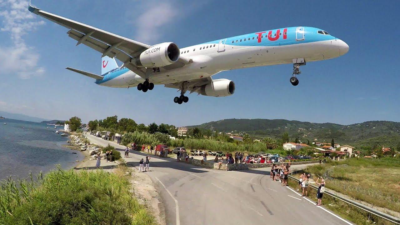Aeroporto Skiathos : Wtf boeing using the reverse gear skiathos airport