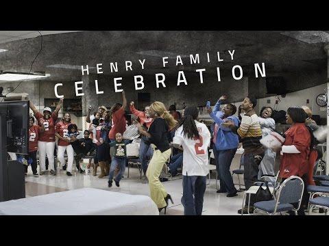 Watch Derrick Henrys family celebrate as he wins the Heisman