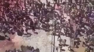 Жесть!!! Народ Ирана сносит полицию