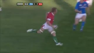 Andy Powell fumbles the ball twice in 6 seconds