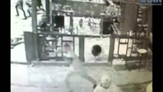 """Hombres entran a colmadón y """"machetean"""" a 29 personas en Los Alcarrizos"""
