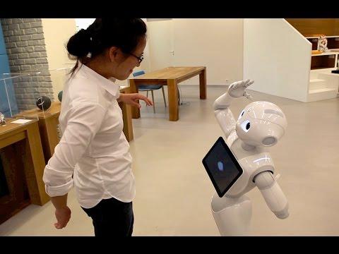 el robot pepper, el nuevo chico de la oficina en un banco japones