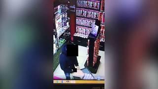 Весеннее обострение: в одном из магазинов Южно-Сахалинска засняли извращенца