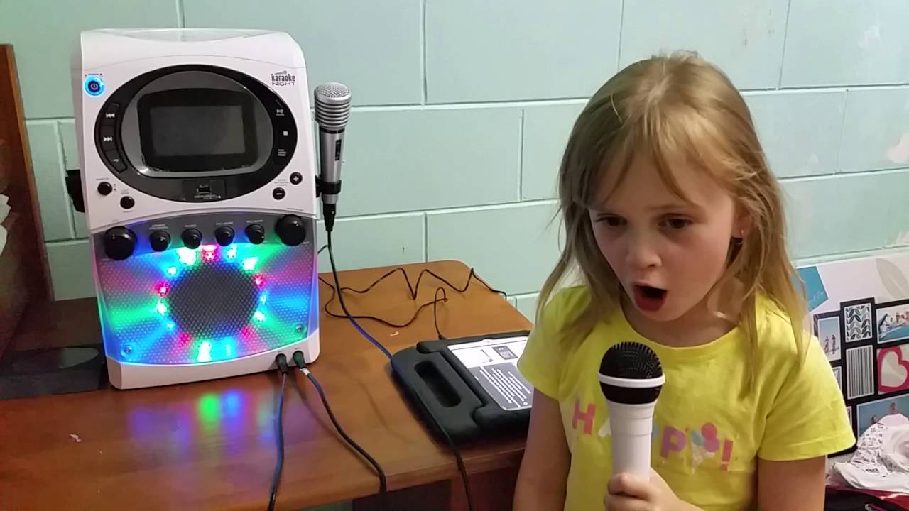 My Gorgeous 5 Year Old Girl Sings With Her New Karaoke Night Machine