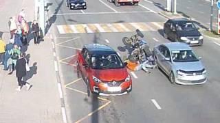 ДТП пл Труда.  Квадроцикл vs Renault. 24.06.17
