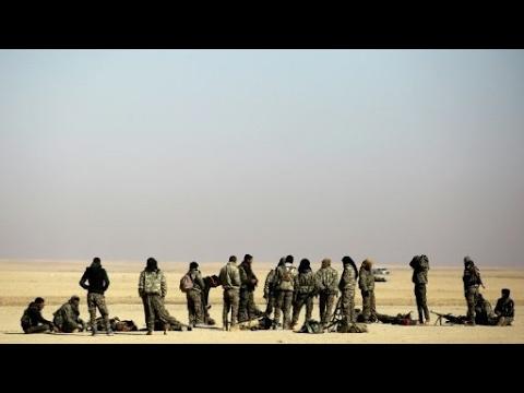قوات -سوريا الديمقراطية- تسيطر على عدة نقاط داخل مدينة الطبقة  - 16:27-2017 / 4 / 25