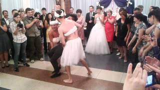 Билан и балерины на свадьбе.mp4
